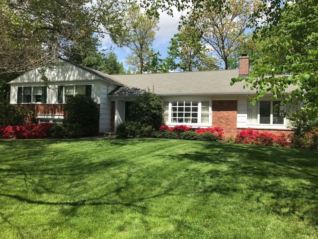 26 Dogwood Dr, Madison NJ 07940 home for sale by the Oldendorp Group Realtors in Madison