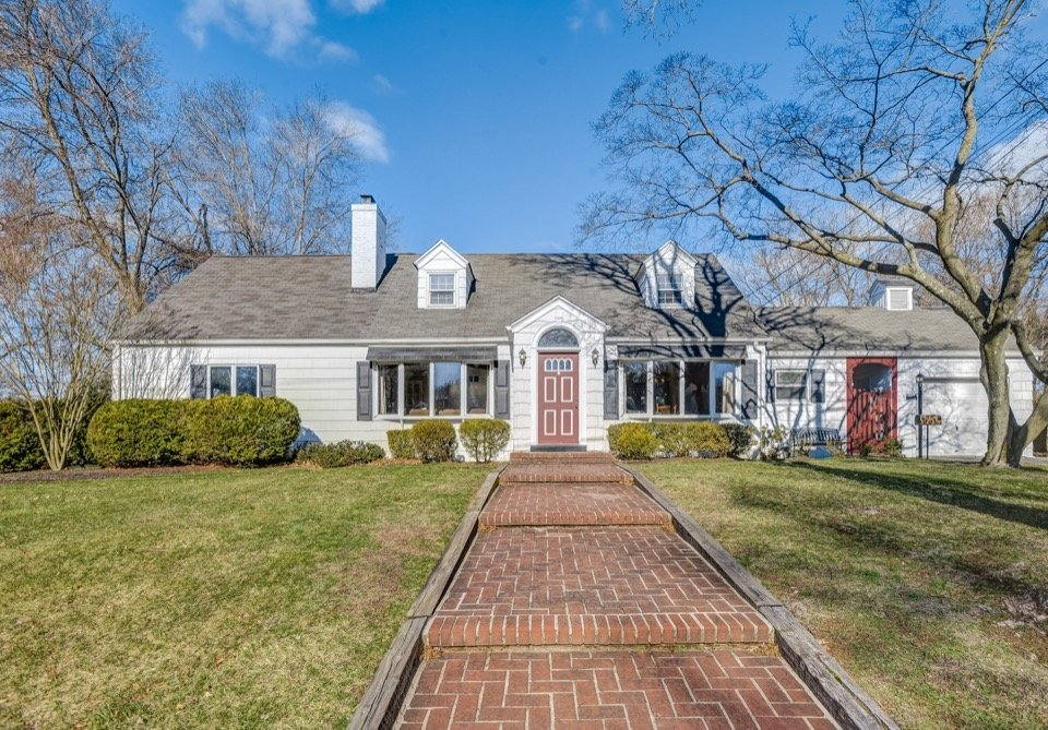 1953 Farmingdale Rd Scotch Plains NJ 07076. Home for sale by the Oldendorp Group Realtors