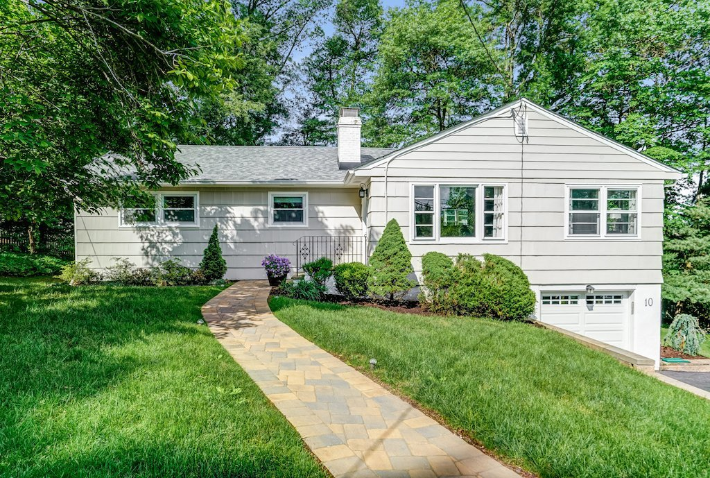 10 Dogwood Dr, Chatham NJ 07928. Home for sale in Chatham by The Oldendorp Group Realtors